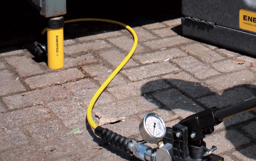 hydraulic cylinder, hose, and pump set